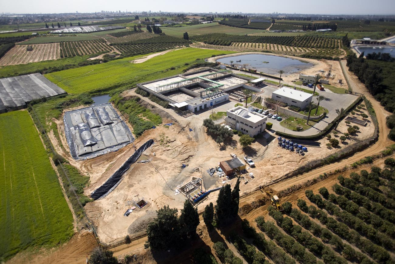 Dredging and sludge treatment - Ra'anana WWTP
